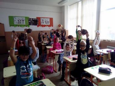 """снимка, Среща на ОбСНВ с ученици  от VIII СУ """" Арсени Костенцев"""" – Благоевград"""