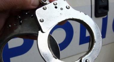 снимка, Щракнаха белезници на двама полицаи, ето защо