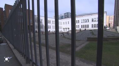 снимка, Полицията тръгва по следите на дилърите около училищата