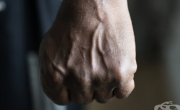 снимка, Какви фактори водят до агресия