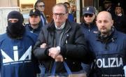 снимка, Parásitos: los anticuerpos de la mafia