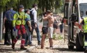 снимка, Жестоко тройно убийство на две деца и пенсионер потресе Италия