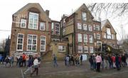 снимка, Учениците във Великобритания жертви на сексуален тормоз