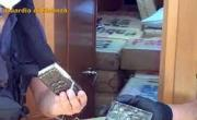 снимка, Palermo, six tons of hashish hidden in the ship: the Guardia di Finanza arrest three Bulgarian citizens
