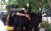 снимка, Задържаха млада жена и таксиметров шофьор с хероин в Кюстендил