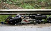 снимка, 37-годишен мотоциклетист се претрепа, карал без каска