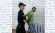 снимка, Невиждан екшън в Благоевград! Мъж позвъни на 112 и обяви: Заклах лелинчо си! Патрулки захвърчаха към мястото, но ето какво се оказа!