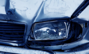 """снимка,  27-годишна жена е блъснала два автомобила на бул. """"П. Хитов"""" при шофиране след употреба на наркотици"""