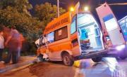 снимка, Пиян шофьор засече линейка и тя нацели дърво, пострадаха всички