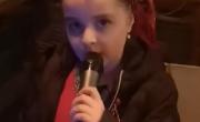 снимка, Благодарим ти, малка Теди! Чудото на Разлог! Ангелският глас на една малко момиченце всяка вечер оглася града в подкрепа на медицинските работници в борбата им с COVID - 19