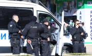 снимка, Бургаски ченгета щурмуваха дома на Куция и се хванаха за главите