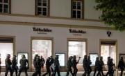 снимка, Насилието в Щутгарт започва от проверка за наркотици