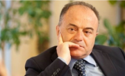 """снимка, """"Ндрангета"""" , арестуван президентът  на Регионалния съвет на обл. Калабрия"""